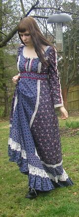retro šaty pro mladé